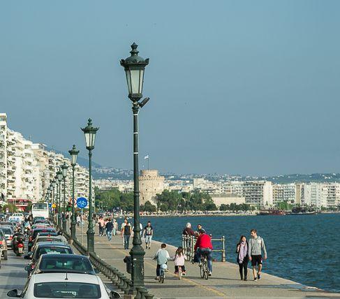 Strassenlaternen_Thessaloniki.jpg